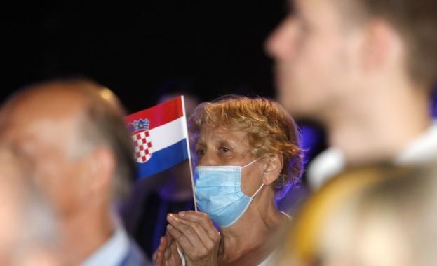 Хърватският премиер Андрей Пленкович обяви победата на управляващата партия Хърватска