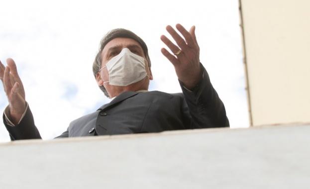 Президентът на Бразилия Жаир Болсонару е със симптоми на коронавирус,