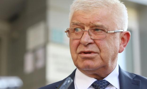 Здравният министър Кирил Ананиев гарантира пълна прозрачност и международно сътрудничество