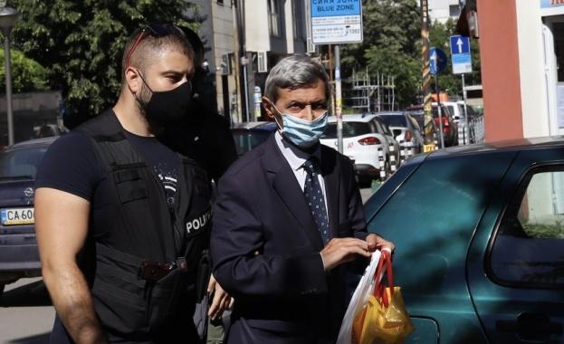 Илия Милушев беше доведен във Военно-окръжна прокуратура в София. Адвокатката