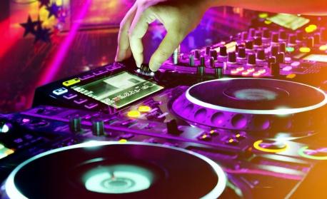 Затварят дискотеките и нощните барове и в Шуменско