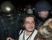 Журналист за протестиращите: Много млади хора от друга порода. И много жени