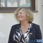 Посланикът на Франция с дарение за варненски деца