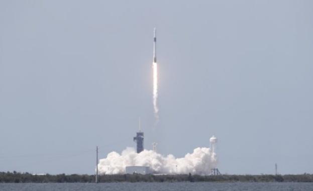 Екипажът на SpaceX се готви за завръщане на Земята