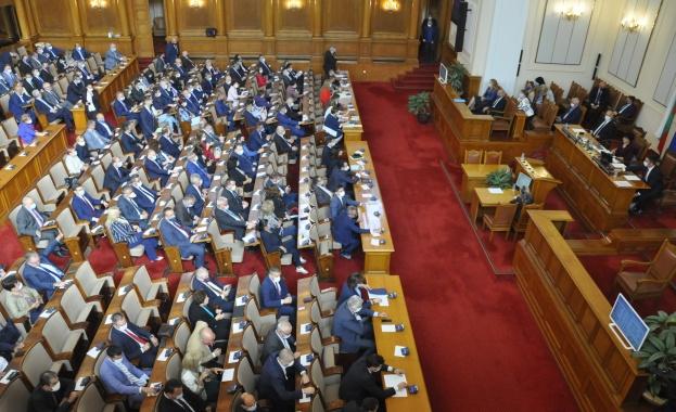 За новите лица и новите битки в Народното събрание
