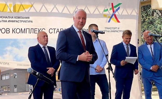 Министърът на транспорта, информационните технологии и съобщенията Росен Желязков даде