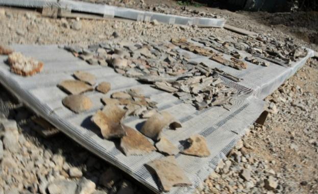 Четири ранннонеолитни гроба на почти 8 000 години в праисторическото