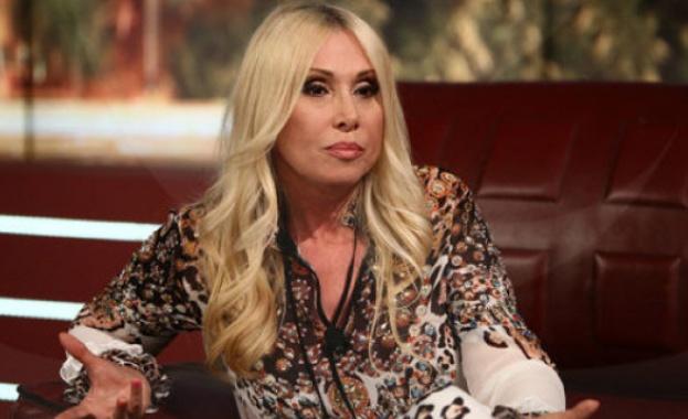 Днес певицата Кристина Димитрова става на 60 години. По този