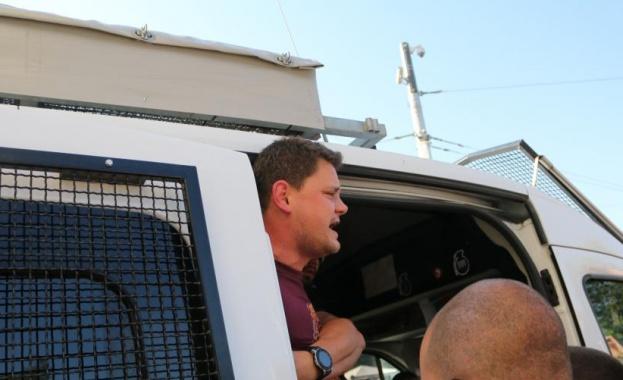 Петър Кърджилов излиза от ареста