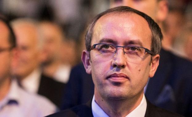 Косовският премиер Авдулах Хоти е дал положителна проба за коронавирус,
