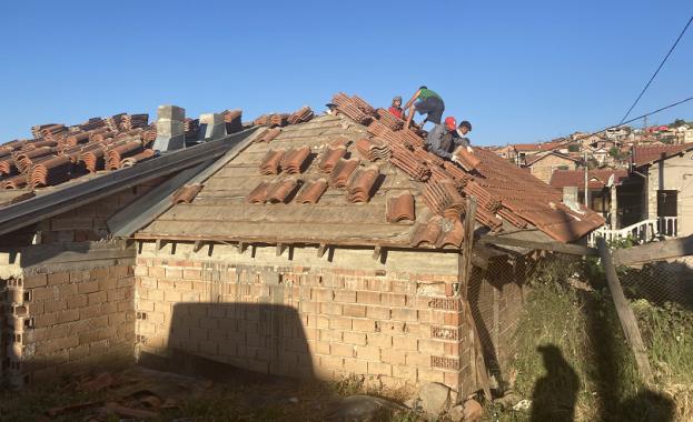 97 незаконни къщи в ромския квартал