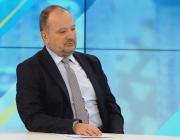 Проф. д-р Емил Воденичаров: Единствените мерки за предпазване са социална дистанция и лични хигиенни средства