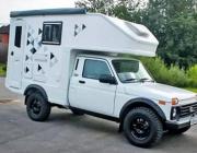 Lada Niva се превърна в оригинален кемпер