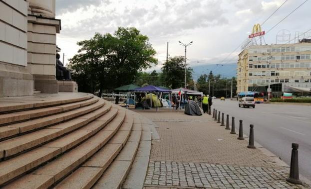 Полицията е започнала акция по премахваме на палатковите лагери в