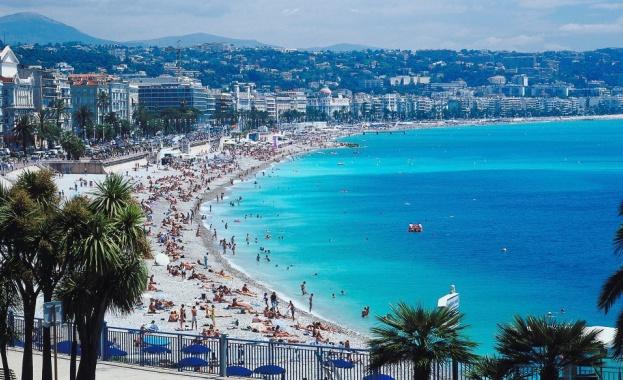 Луксозният курорт Сен Тропе на френската Ривиера от днес въвежда