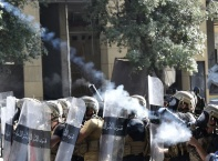 Антиправителствени протести в Бейрут, 700 ранени при сблъсъците