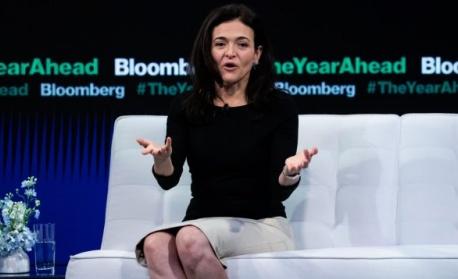 Сандбърг: Facebook ще работи със следващия президент на САЩ, който и да е той