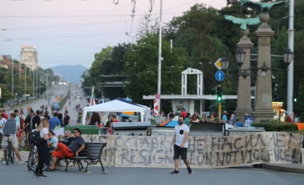 Блокирани кръстовища в София промениха автобусни маршрути