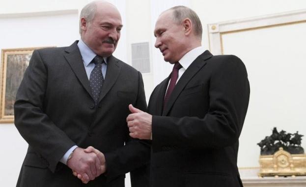 Лукашенко отива при Путин в понеделник след месец на протести