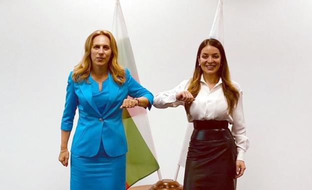 Марияна Николова  в Москва:  Предприемаме редица стъпки, за да посреща България повече руски туристи