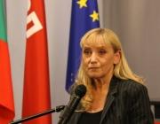 Елена Йончева: Резолюцията е огромен успех за всички българи