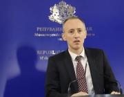 Министър Вълчев: Целта ни е максимум присъствено обучение