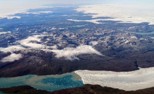 Най-големият леден шелф в Гренландия се топи