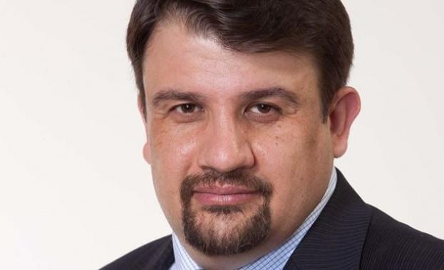 """""""Волт"""" не е под наем на Петков и Василев, а помощ за изборите"""