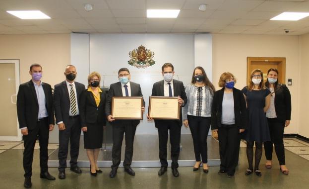 Министър Борисов връчи сертификат за инвестиция клас А