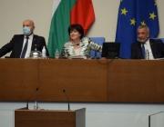 Парламентът заслужава Караянчева да го води