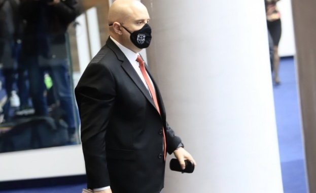 Главният прокурор Иван Гешев е под карантина