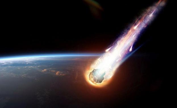 Опасен астероид рекордно близо до Земята