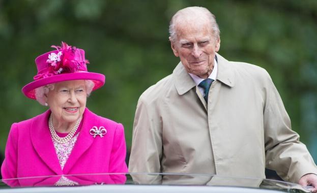 Принц Филип ще остане още в лондонската болница