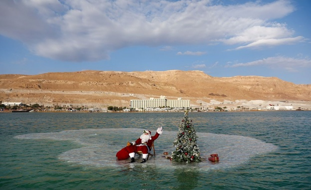 Дядо Коледа явно е на почивка преди да впрегне елените