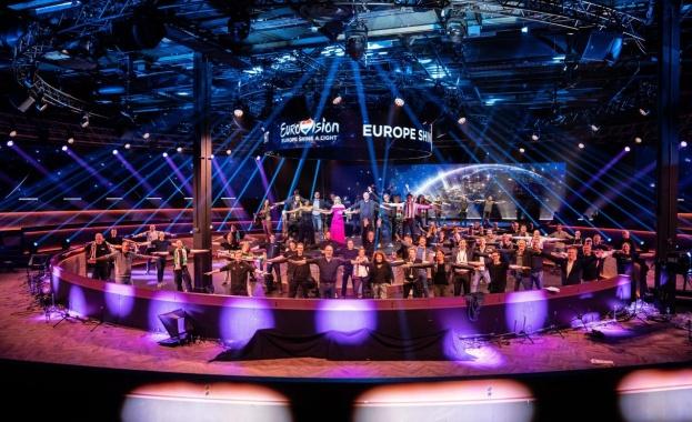 Българският представител на Евровизия 2021 - Виктория, както и всички