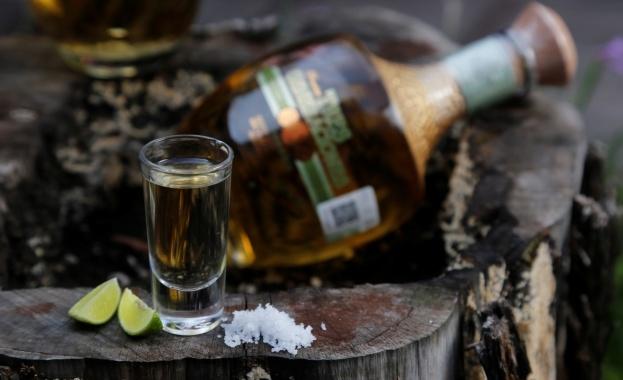 Собственик на текила бар се опитва да заобиколи строгите ограничения