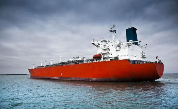 Пирати атакуваха днес в Гвинейския залив танкер, плаващ под малтийски