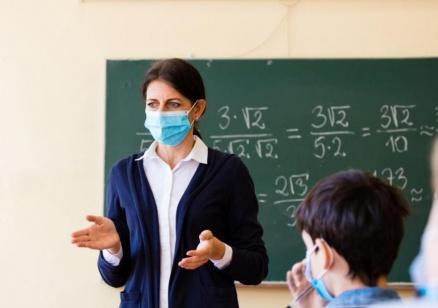 Кунчев: Обмисля се връщането на 7, 8 и 12 клас в училище от 4 февруари