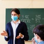 Учениците от 1-ви до 4-ти, 7-и, 8-и и 10-и клас се връщат в класните стаи