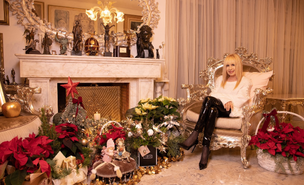 Примата на българската музика Лили Иванова показа коледните си подаръци