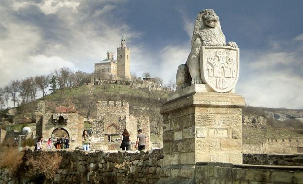 Четвъртокласник от Добрич е първият турист на Царевец за тази