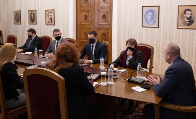 Президентът: Решенията в изборния процес трябва да работят за всички български граждани