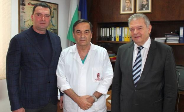 Борбата на българските лекари с коварния вирус COVID-19 продължава, въпреки