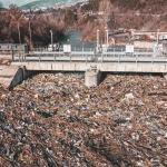 250 курса трябват за извозване на боклука от плаващото сметище в Искър