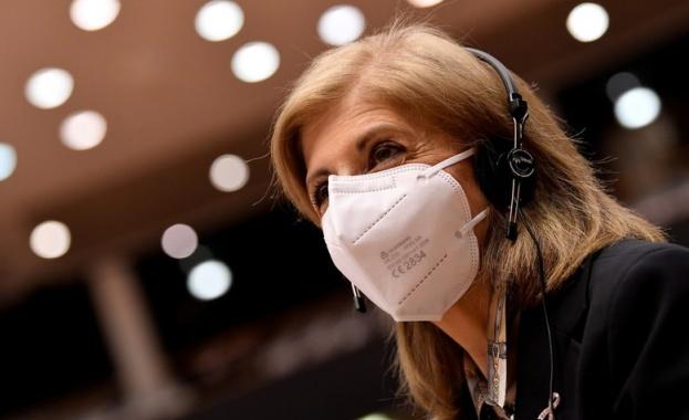 Дългото носене на маска причинява кариес и заболяване на венците