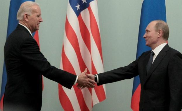 В разговор с руския си колега Владимир Путин американският президент