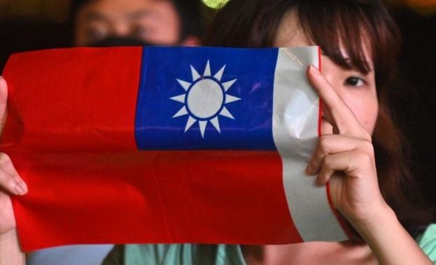 Китай втвърди тона си към Тайван в четвъртък на фона