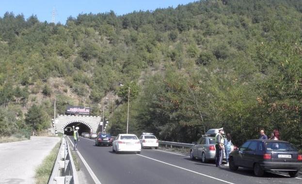 """75 процента от строителството на магистрала """"Струма"""" при тунел """"Железница"""" е изпълнено"""