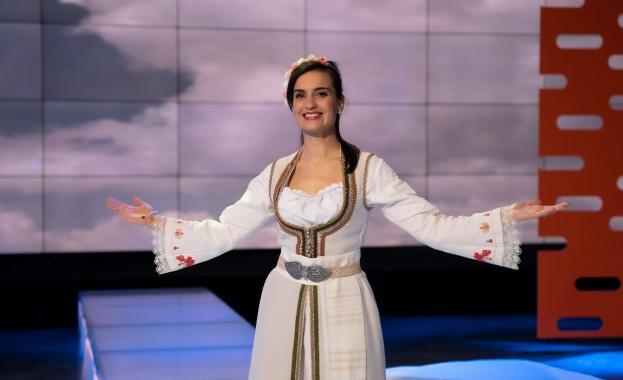"""Младата граовска певица и смисълът на """"Доброто"""