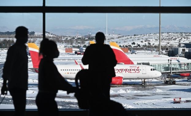 Цените за полетите до летни дестинации поевтиняват с 30 на сто
